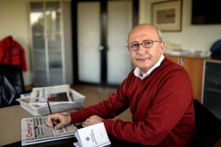 Pemimpin redaksi harian Cumhuriyet, Utku Cakirozer.