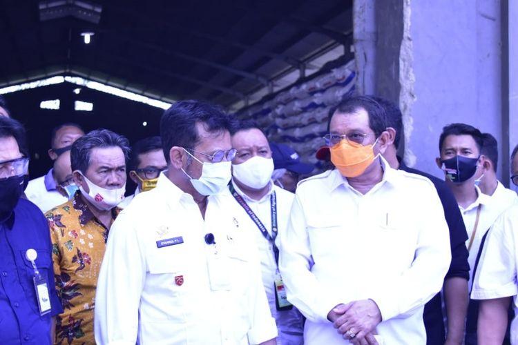 Menteri Pertanian (Mentan) Syahrul Yasin Limpo saat kunjungan kerja ke PT. Petrokimia dan PT Pupuk Kujang Lini III Kabupaten Indramayu, Jawa Barat, Sabtu (5/9/2020)