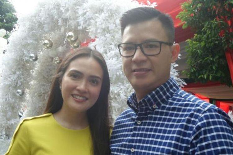 Shandy Aulia menghadiri acara kebersamaan dalam merayakan Hari Natal di SMA Kolese Gonzaga, di Pejaten Barat, Pasar Minggu, Jakarta Selatan, Minggu (25/12/2016).