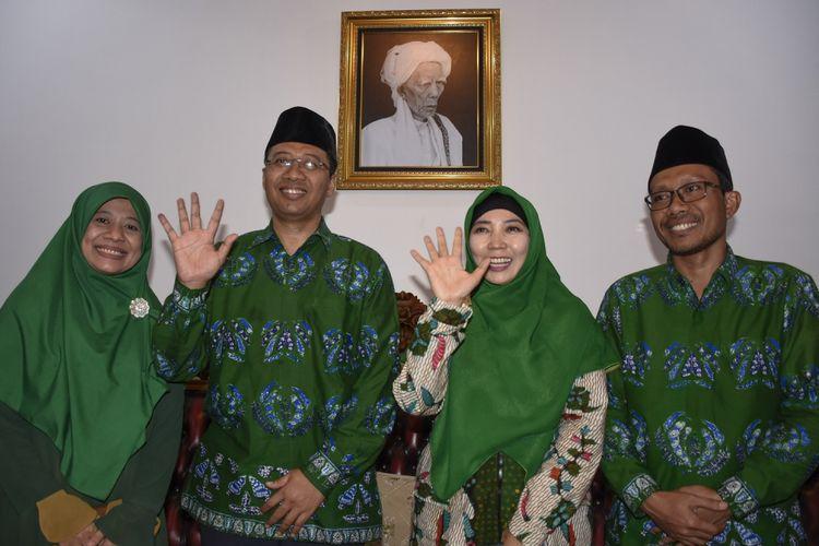 Calon Gubernur NTB Zulkieflimansyah (kedua kiri) bersama Wakilnya Siti Rohmi Djalilah (kedua kanan) saat jumpa pers di Pancor, Selong, Lombok Timur, NTB, Rabu (27/6/2018).