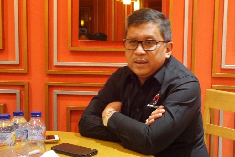 Sekretaris Jenderal PDI Perjuangan Hasto Kristiyanto di kantor DPP PDI-P, Jakarta, Sabtu (28/10/2017).