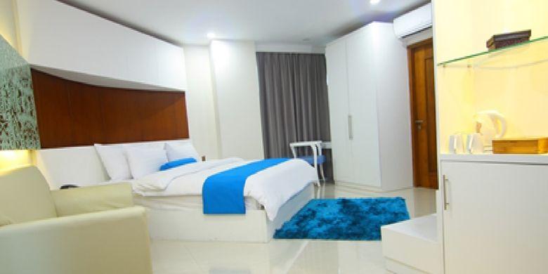 The Falatehan Hotel merupakan hotel bintang tiga plus yang memiliki 92 kamar yang meliputi tipe kamar superior, deluxe, safin suite, dan falatehan suite.