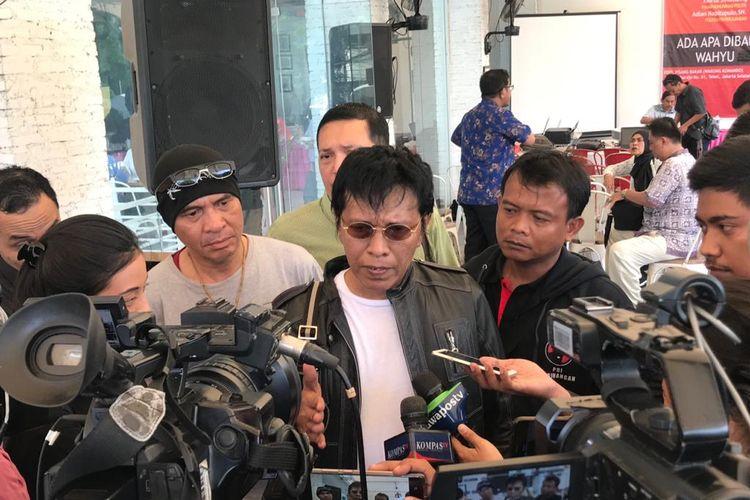 Anggota DPR RI Fraksi PDI Perjuangan Adian Napitupulu ketika ditemui di Warung Komando, Tebet, Jakarta Selatan, Minggu (19/1/2020).