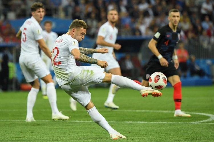 Kieran Trippier melepas tendangan dalam pertandingan Kroasia vs Inggris pada babak semifinal Piala Dunia 2018 di Stadion Luzhniki, 11 Juli 2018.