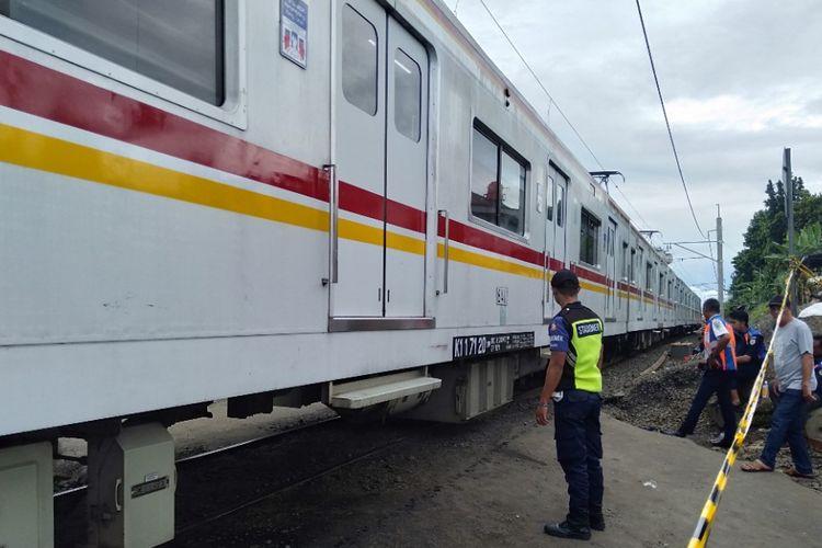 Kereta Melintas dari arah Cilebut, Bogor Menuju Jakarta, Senin (11/3/2019)