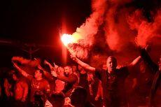 Fans Liverpool Berkerumun dan Nyalakan Suar, Kepolisian Ambil Tindakan