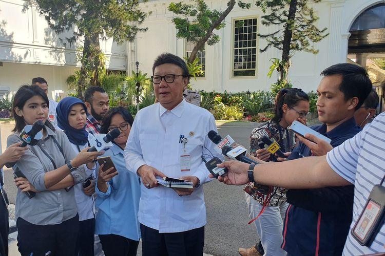 Menteri Pendayagunaan Aparatur Sipil Negara dan Reformasi Birokrasi Tjahjo Kumolo menghadap Presiden Joko Widodo di Istana Kepresidenan, Jakarta, Selasa (19/11/2019)
