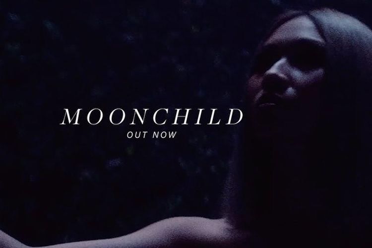 Album terbaru NIKI, Moonchild