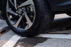 Jangan Panik, Kenali Penyebab Cairan yang Menetes dari Kolong Mobil