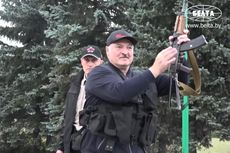 Demo Pemilu Belarus Makin Ricuh, Polisi Ancam Tembak Demonstran