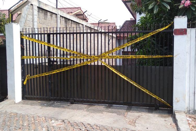 Rumah korban pembununah dan terbakar di dalam mobil yang berlokasi di jalan Lebak Bulus 1, Kavling 129 B blok U 15, Cilandak, Jakarta Selatan, Selasa (27/8/2019)