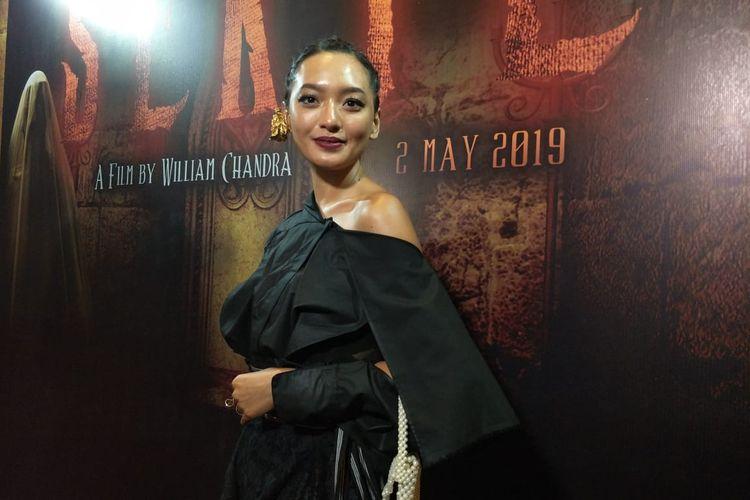 Asmara Abigail dalam jumpa pers dan screening film Sekte di XXI Epicentrum Walk, Kuningan, Jakarta Selatan, Senin (22/4/2019).