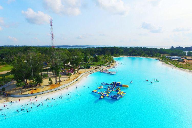 Tempat wisata bernama Crystal Lagoon di Chill Cove, Treasure Bay Bintan, Kabupaten Bintan, Kepulauan Riau (dok. Facebook Treasure Bintan).