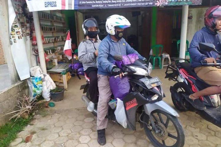 Foto istimewa, Saat pasangan suami istri, Hasan dan Nining mengabadikan foto-foto disetiap perjalanannya.