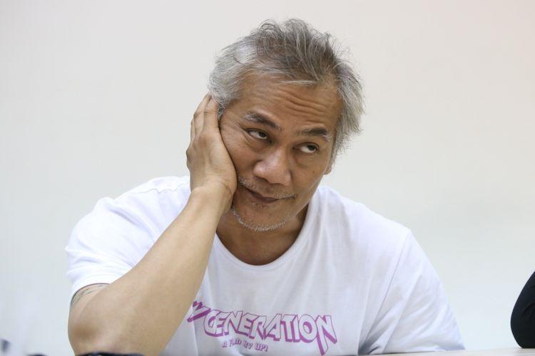 Tyo Pakusadewo saat sesi wawancara dalam rangka promo film My Generation di Gedung Kompas Gramedia, Palmerah Barat, Jakarta, Senin (30/10/2017). Film arahan Upi ini menceritakan tentang remaja yang hidup di era millenial saat ini.