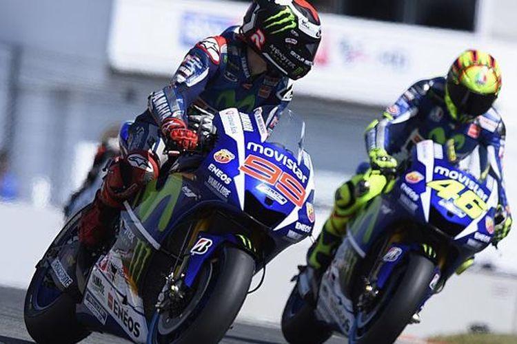 Dua pebalap Yamaha di MotoGP, Jorge Lorenzo dan Valentino Rossi.