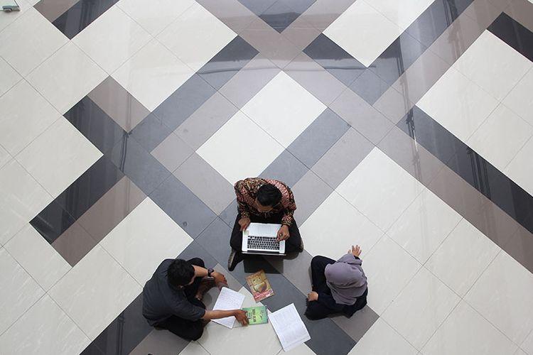 Kuliah daring dilakukan mahasiswa UMY.