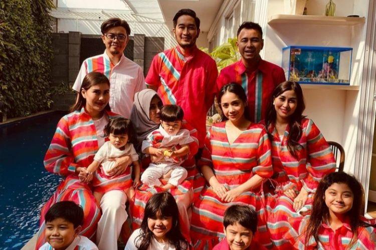 Momen kebersamaan keluarga besar Raffi Ahmad dalam perayaan Idulfitri 2021