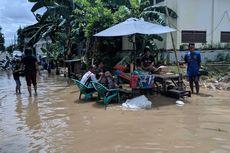 Cara Warga dan Relawan Bersantai di Tengah Banjir Periuk Kota Tangerang