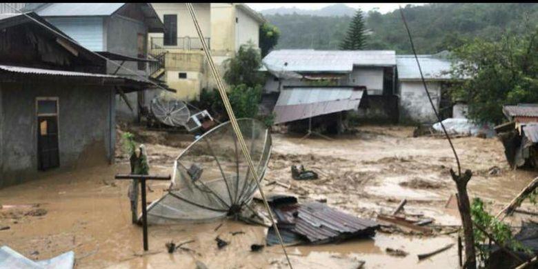 Kondisi pasca banjir bandang yang menghantam pemukiman warga di Kampung Paya Tumpi Baru, Kecamatan Kebayakan, Kabupaten Aceh Tengah, Rabu (14/5/2020)