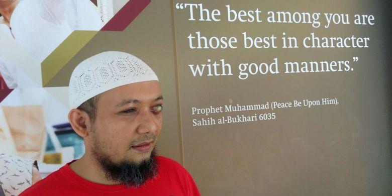 Penyidik Komisi Pemberantasan Korupsi (KPK) Novel Baswedan menjalani pemeriksaan usai penyerangan terhadap dirinya, Jakarta, Rabu (25/10/2017).