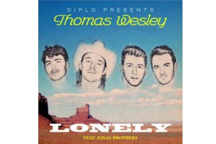 Diplo dan Jonas Brothers dalam video klip Lonely.