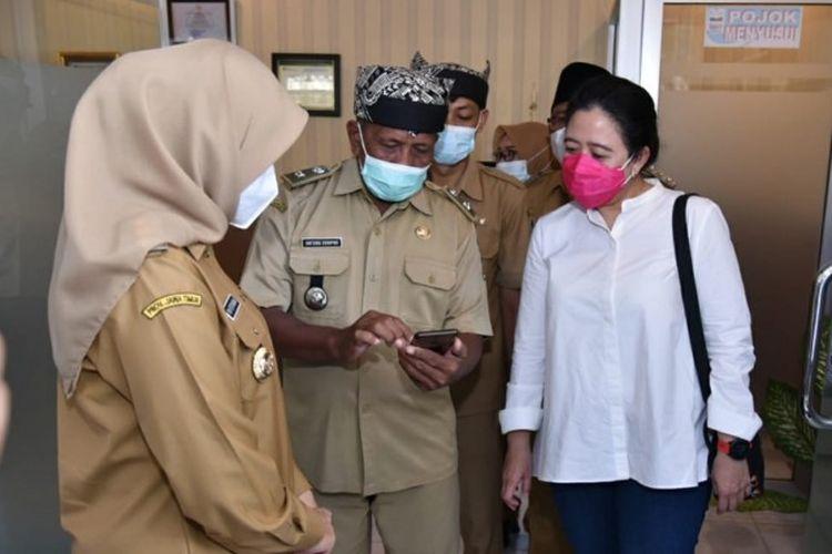 Ketua Dewan Perwakilan Rakyat (DPR) Republik Indonesia (RI) Puan Maharani saat kunjungan kerja ke Kabupaten Banyuwangi, Jawa Timur, Senin (1/3/2021).