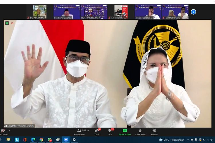 Menteri Perhubungan Budi Karya Sumadi saat menghadiri acara doa bersama yang dilakukan secara virtual pada Minggu (27/6/2021).