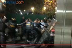 7 Fakta Pengeroyokan Demonstran di JCC, Aksi Brutal Polisi hingga Intimidasi Wartawan