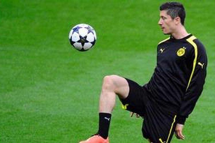 Striker Borussia Dortmund, Robert Lewandowski.
