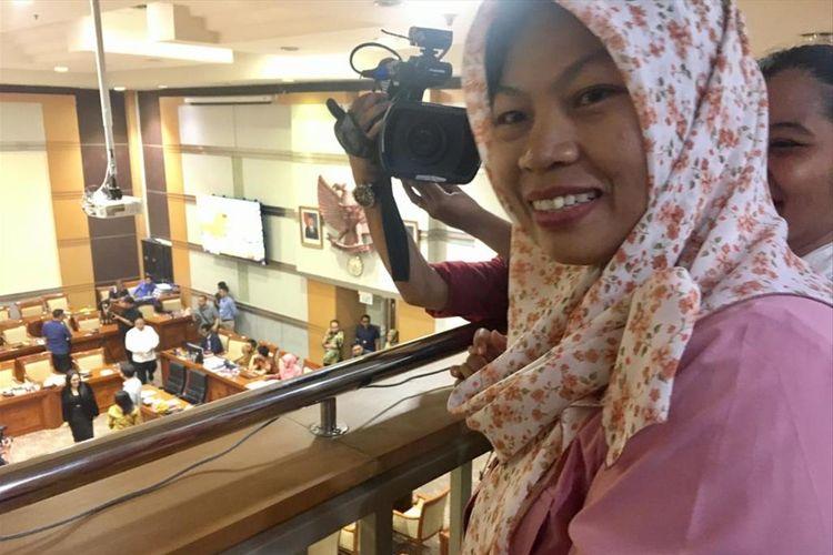 Baiq Nuril Maqnun bahagia dan bersyukur setelah permohonan amnestinya disetujui seluruh fraksi di Komisi III DPR RI secara aklamasi, Rabu (24/7/2019)