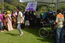 Warga Ikuti Pengobatan Massal di Candi Borobudur