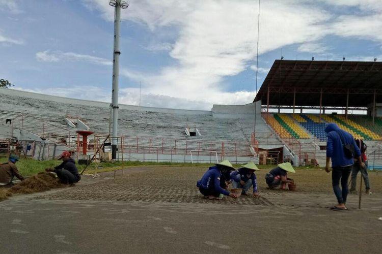 Stadion Gelora 10 November Surabaya disiapkan untuk akademi sepak bola