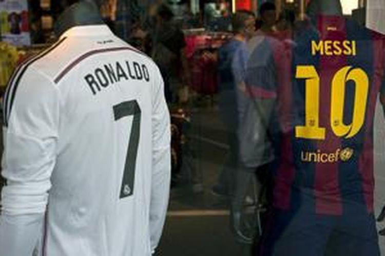 Cristiano Ronaldo dan Lionel Messi menjadi pesepak bola yang paling banyak dibicarakan di Facebook.