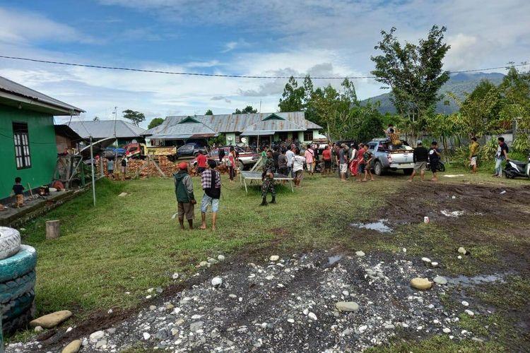 Susasana warga Yalimo yang mengamankan diri di Koramil Elelim, Yalimo, Papua, Kamis (1/7/2021)