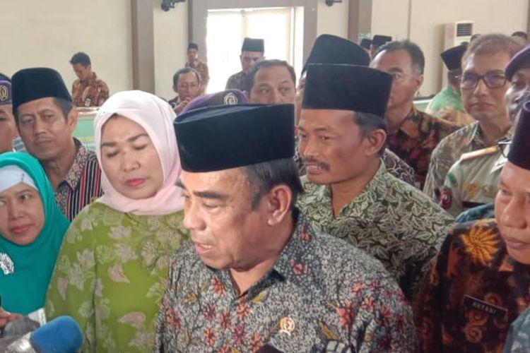 Menteri Agama Fachrul Razi saat mengunjungi UIN Walisongo, Semarang, Kamis (19/12/2019).