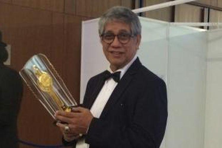 George Kamarullah diabadikan usai menerima  Piala Citra Lifetime Achievement FFI 2015, di ICE BSD, Tangerang, Banten, Senin (23/11/2015) malam.