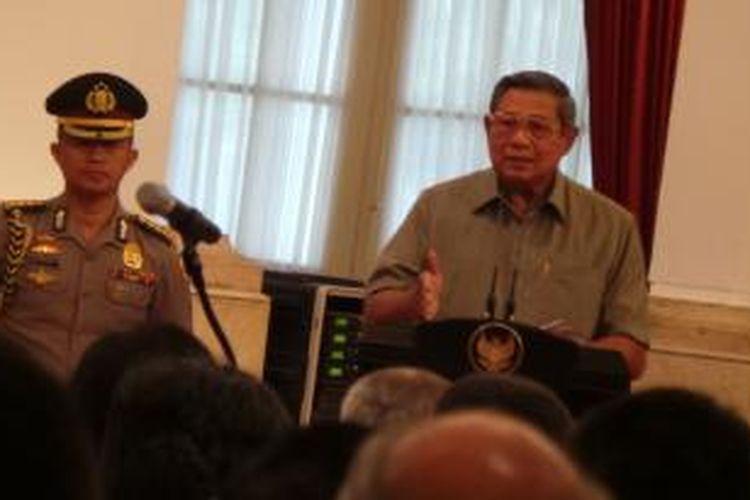Presiden Susilo Bambang Yudhoyono saat bertemu ratusan peserta Program Pendidikan Lembaga Ketahanan Nasional (Lemhanas) tahun 2013 di Istana Negara, Jakarta, Jumat (1/11/2013).