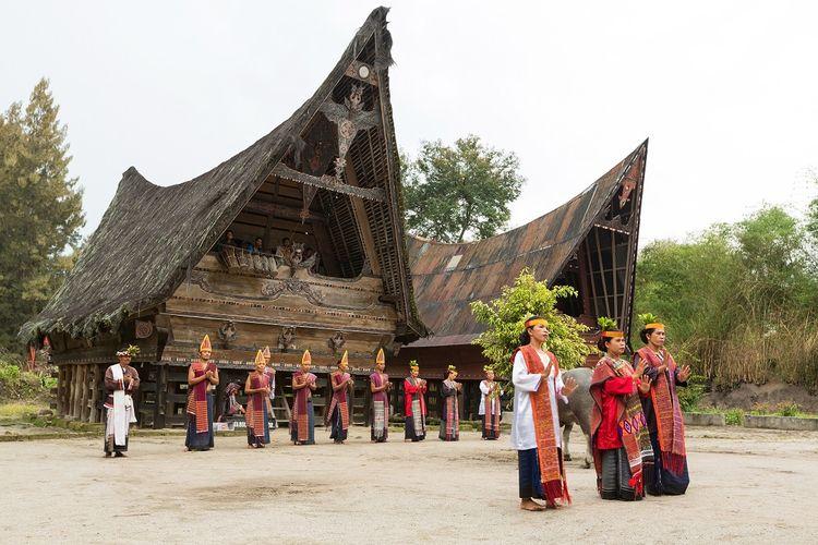 Suku Batak di Pulau Samosir, Danau Toba, Sumatera Utara DOK. Shutterstock/Kataleewan Intarachote