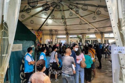 Vaksinasi Pedagang di Pasar Wilayah Tangsel: Antrean Mengular, Pemkot Lakukan Evaluasi