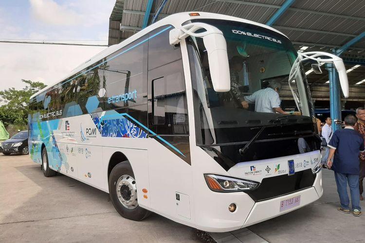 PT Mobil Anak Bangsa (MAB) resmi melakukan serah terima perdana bus listriknya kepada PT Paiton Energy.