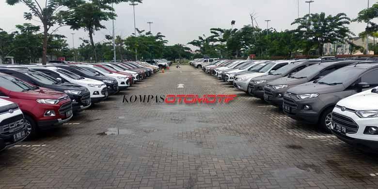 Ratusan unit mobil Ford berkumpul untuk pertama kalinya setelah Ford Motor Indonesia menyatakan resmi akan berhenti beroperasi pada bulan lalu