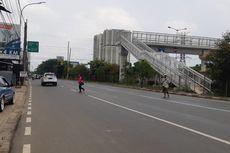 Ngerinya Akses JPO Duri Kosambi, Harus Waspada agar Tak Terserempet Mobil....