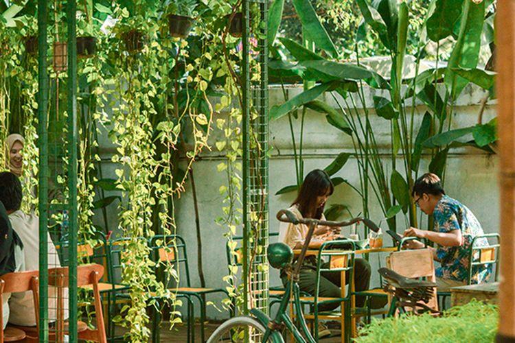 Tamansari Cafe, berlokasi di parkiran Taman Sari
