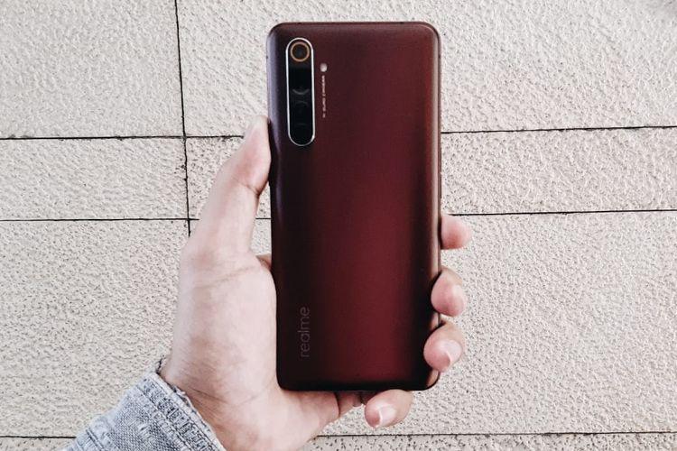 Penampakan punggung ponsel Realme X50 Pro 5G