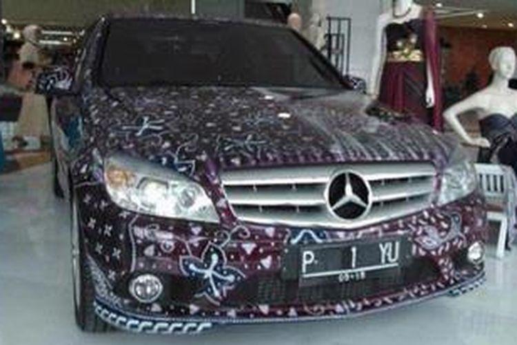 Ilustrasi: Mercedes-Benz bermotif batik milik Piyu