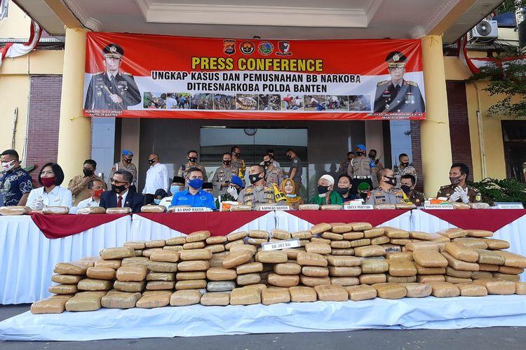 Barang bukti ganja sebanyak 144 kilogram asal Aceh dipamerkan Polda Banten