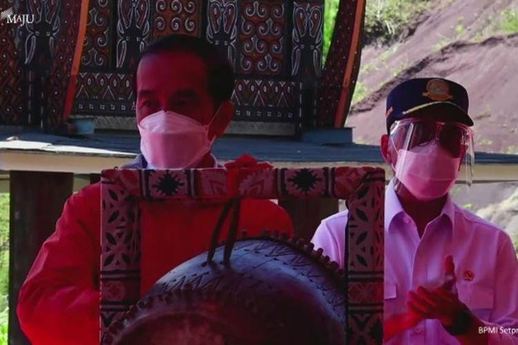 Presiden RI Joko Widodo, eresmikan bandara Toraja, Sulawesi Selatan, selain itu juga meresmikan Bandara Pantar Alor Nusa Tenggara Timur, Kamis (18/03/2021)