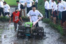 Realisasikan Janji Presiden Jokowi, Kementan Salurkan Bantuan Hand Tractor ke Sumba Tengah