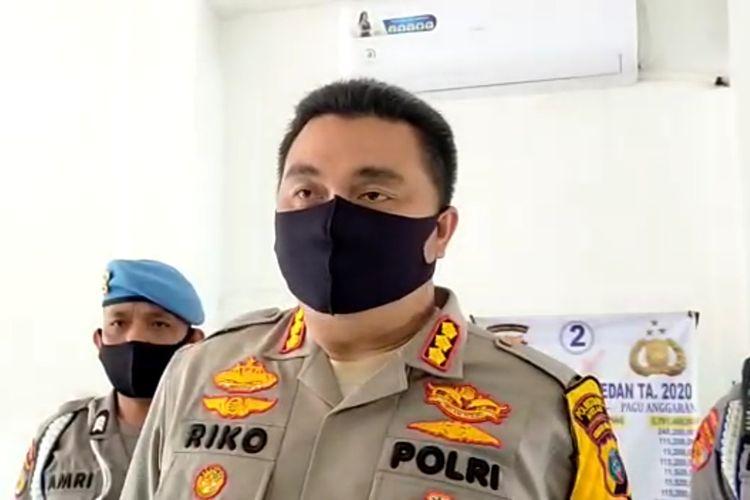 Tangkapan layar video rekaman wawancara dengan Kapolrestabes Medan Kombes Pol Riko Sunarko pada Rabu (22/7/2020) sore. Dikatakannya, dari kasus pemukulan terhadap 2 anggota polri, pihaknya menetapkan 8 orang tersangka, terdiri dari 7 laki-laki dan 1 perempuan.